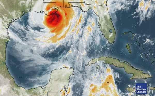 """El huracán """"Isaac"""" toca tierra en Luisiana y provoca lluvias torrenciales y deslizamientos de tierra"""