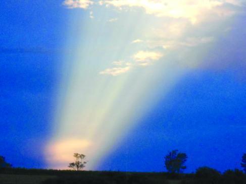 Asombroso rayo de luz aparece en los cielos de Brasil