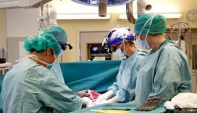 Médicos iraníes logran curar cáncer de hígado en un niño