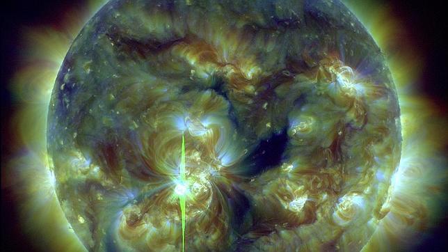 Tormenta solar golpea la Tierra después de una monstruosa llamarada (video)