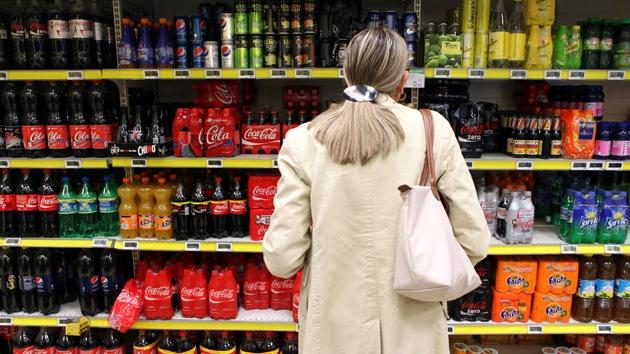 Revelan vínculos entre consumo de coca-cola y el envejecimiento del ADN