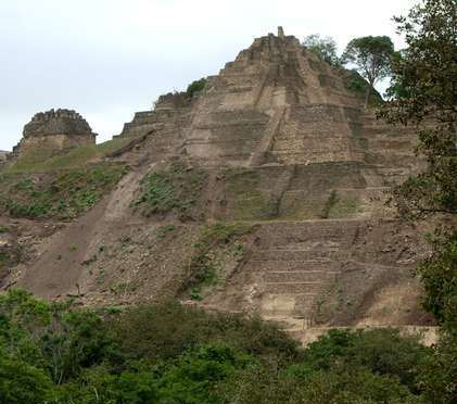Localizan la pirámide más grande de México