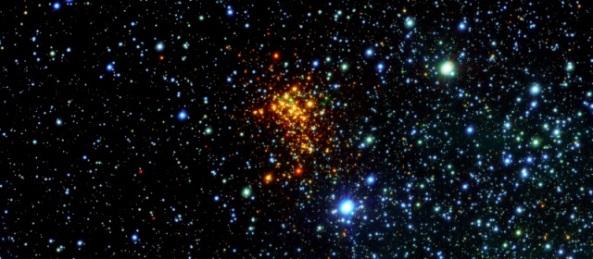 estrellas-cumulo-espacio-640x280-18102013-eso